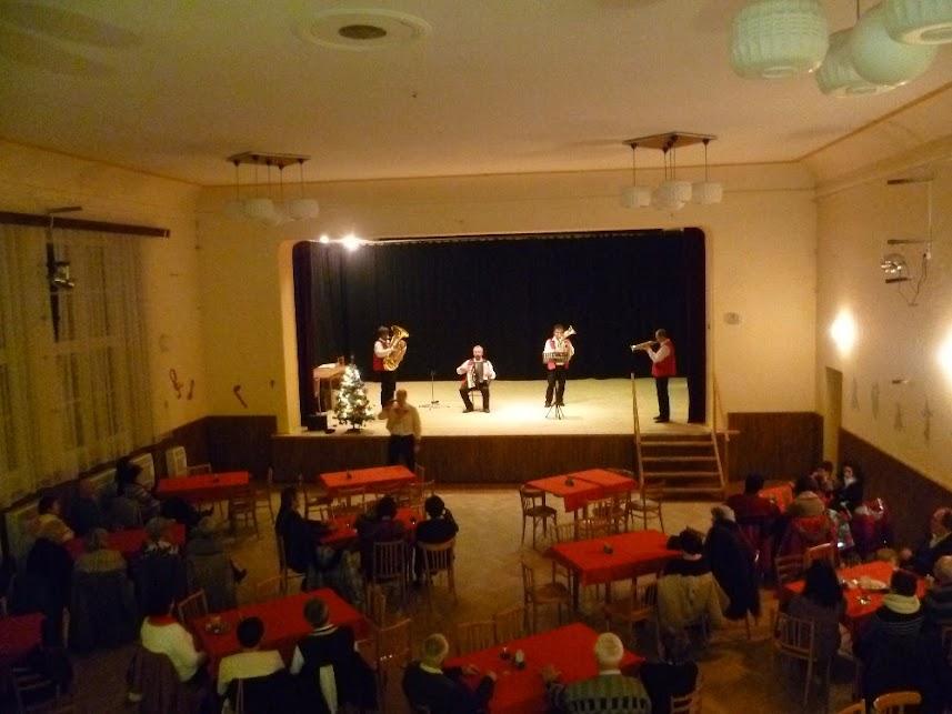 Vánoční koncert 29. 12. 2015 s dechovkou Rozmarýnka