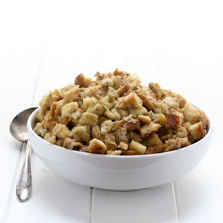 Slow Cooker Classic Bread Stuffing