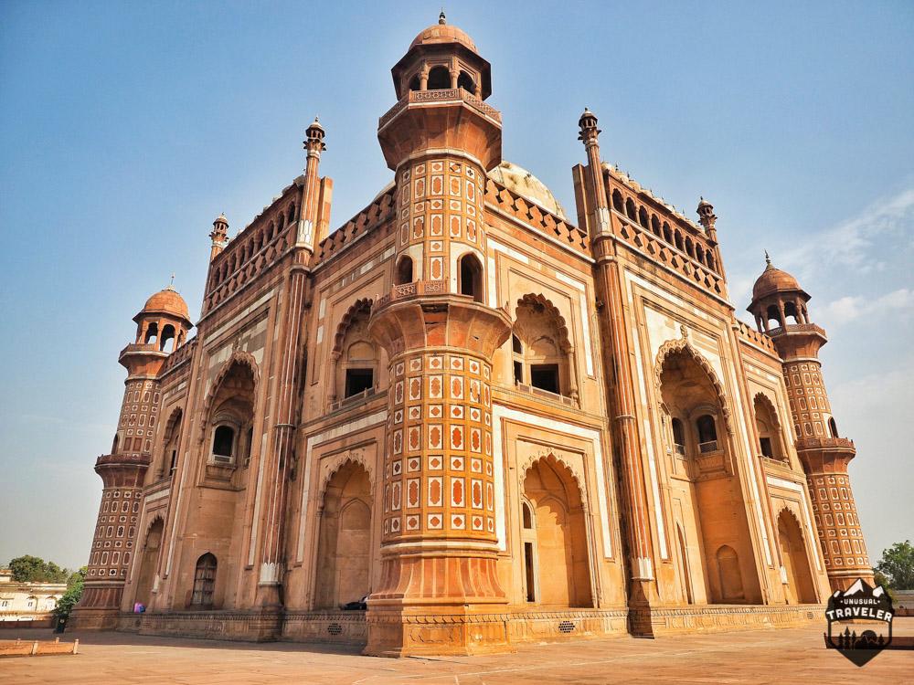 Tomb of Safdarjung New Delhi