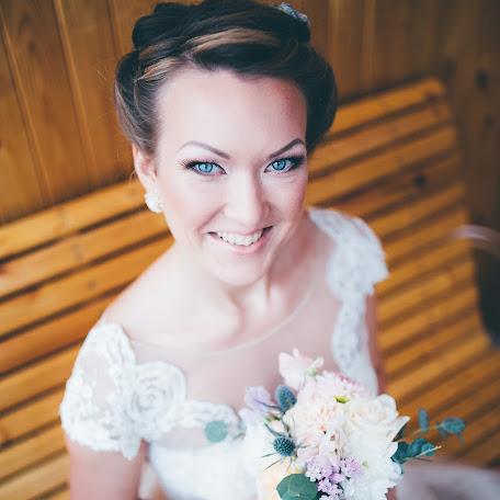 Wedding photographer Anton Davydov (beaver). Photo of 16.12.2015