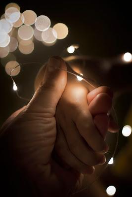 mano nella mano... di Alessio_fiè