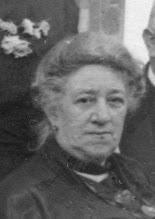 Photo: Anna Jacoba van Eijk, gefotografeerd in 1925 te Velp. Zij is geboren te Deventer op 18-9-1857, overleden te Den Haag op 21-11-1944. Zij was sinds 1903 de tweede vrouw van mijn overgrootvader Cornelius Dasse Hesselink.