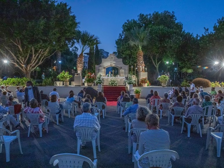 Presencia masiva para la última misa de don Ramón Garrido en Aguadulce.