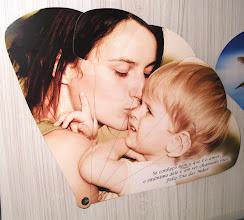 Photo: Leque comemorativo (tema dia das mães) montável e desmontável - Vista frontal.
