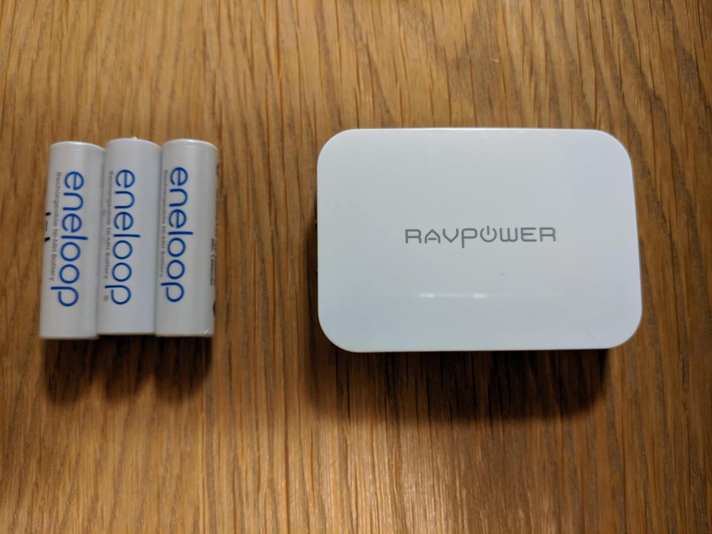 単三乾電池とRP-PC104の大きさ比較