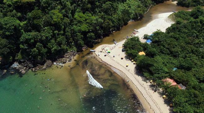 Praia-do-Prumirim-Ubatuba-canto-direito