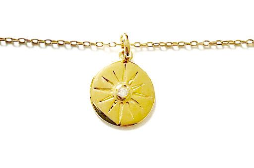 collier médaille soleil