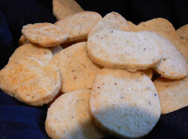 Parmesan And Thyme Crackers Recipe
