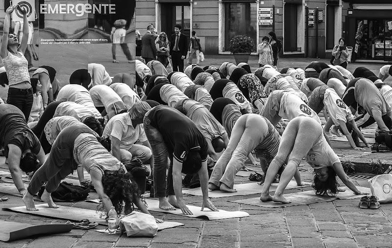 Yoga di massa di Caterina Ottomano