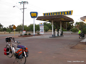 Photo: Kondinin Roadhouse - Esperance to Perth by Bicycle