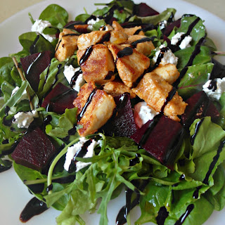 BEETROOT SALAD with GOAT CHEESE and CHICKEN – ΣΑΛΑΤΑ ΜΕ ΠΑΝΤΖΑΡΙΑ, ΚΑΤΣΙΚΙΣΙΟ ΤΥΡΙ ΚΑΙ ΚΟΤΟΠΟΥΛΟ Recipe