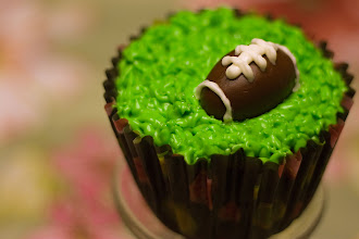Photo: Game Time | A friend's entertaining (and rather delicious) Super Bowl cupcake creation. © 2012 Ryan Lynham