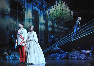 """Photo: MUSICAL """"ELISABETH"""" im Wiener Raimundtheater. Premiere 5.9.2012. Inszenierung Harry Kupfer. Foto: Barbara Zeininger"""