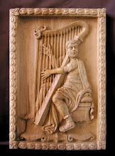 Photo: Músico tañendo el arpa. Tamaño: 39 x 27 cm. Talla en madera. Woodcarving.   Para leer algo más en relación con esta obra ir al blog: http://tallaenmadera-woodcarving-esculturas.blogspot.com/2010/08/musico-tanendo-el-arpa.html
