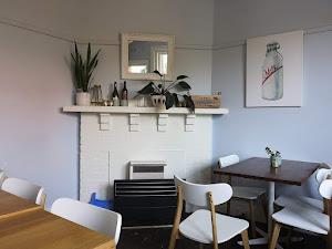 Ora Kew - Cafe