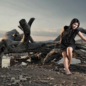 Nancy by Gideon Sooai - People Portraits of Women