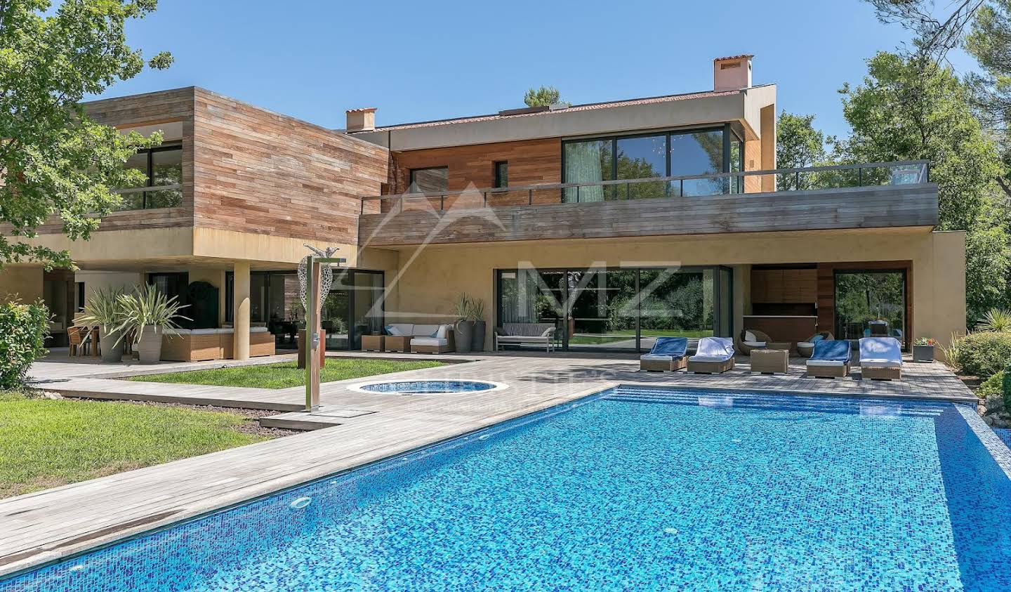 Villa with pool and terrace Tourrettes