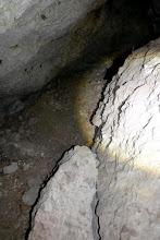 Photo: A Szentendrei-barlang járatában.