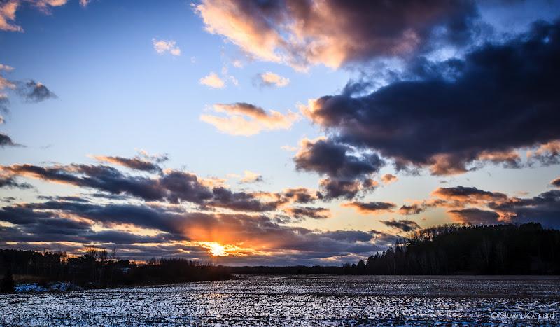 Photo: Winter sunset across the fields