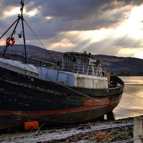 #insta_scotland #igscotland #world_bestsky #cloudporn #ig_great_pics #ig_worldclub #splendid_shotz #splendid_earth #tlpicks #mountains #ig_captures_nature #igglobalife #igglobalclub #bns_water#boat#awesomeglobe #worldshotz#wonderfulplaces #worldcaptures#scotland#ig_worldclub #worldunion #worldcaptures #nikon #bestplacestogo #bestintravel #wildcoyphotography #sunset#igmasters by Walle Grevik - Transportation Boats (  )