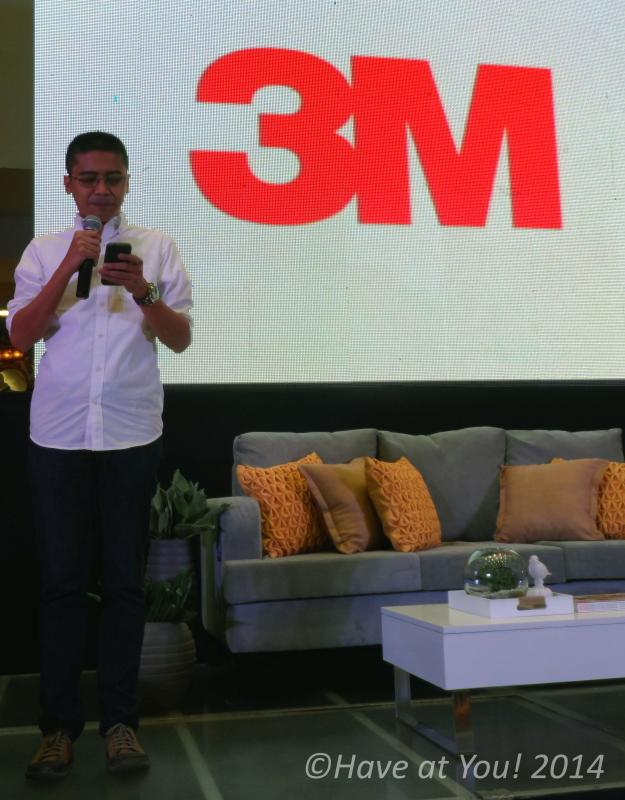 3M Manager giving his speech