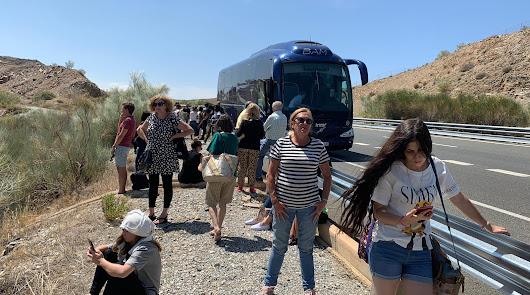 Una avería en el autobús de Madrid deja tirados en la autovía a los viajeros