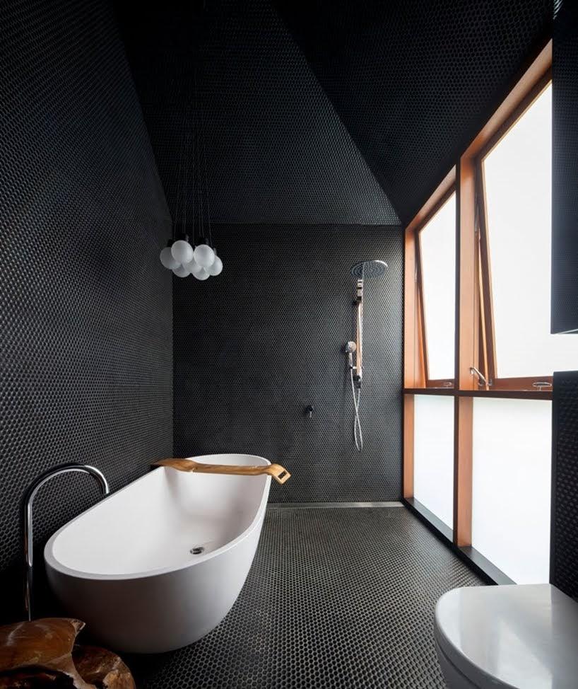 Color negro utilizaron los arquitectos de Carter Williamson para darle a este interior una apariencia atrevida