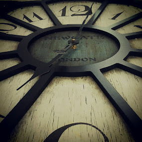 My wall clock losing time by Zul Izreka - Instagram & Mobile Android