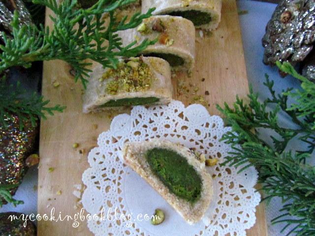Ролки с марципан и шамфъстък