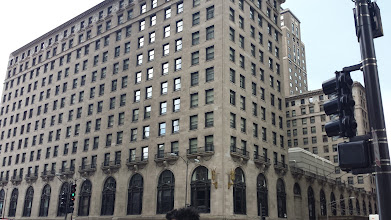 Photo: just liked this building - along the Magnficent Mile