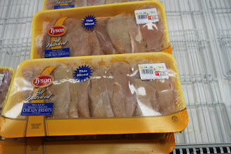 Photo: These thinly sliced chicken breasts would make another fast dinner. Just marinade in Italian dressing before cooking.