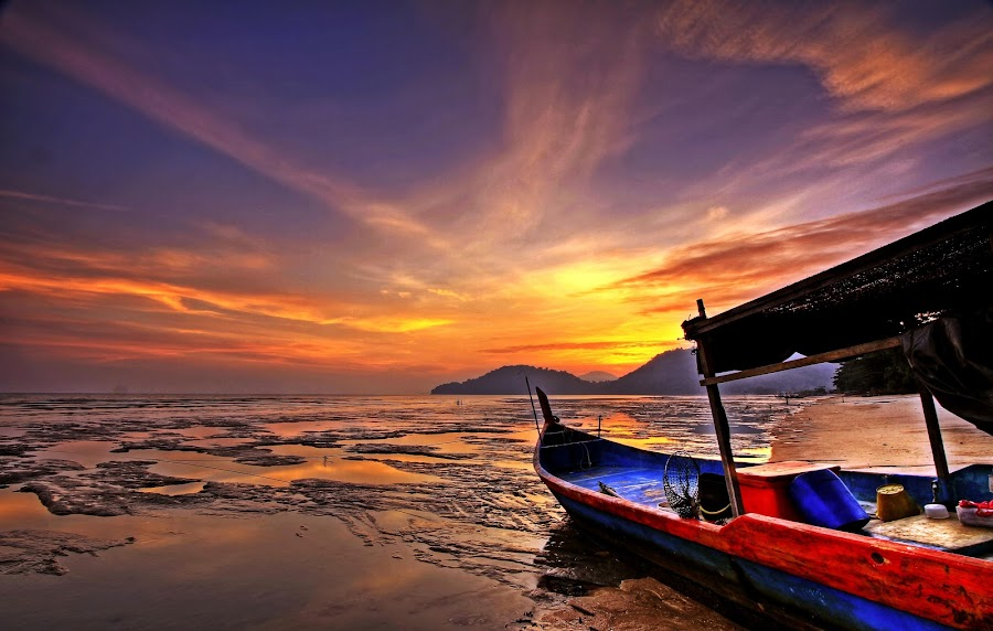 Sunset boat_3 by Abgzac Alx - Landscapes Sunsets & Sunrises ( abgzac, sunset, sunrise )
