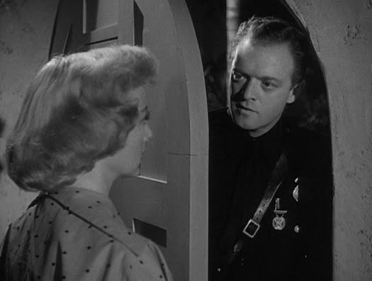 Resenha #54 - Cúmplice das Sombras (The Prowler, 1951)