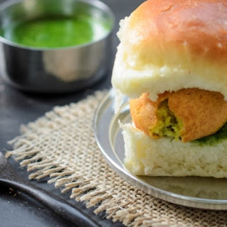 Indian Street Food - Vada Pav (Spicy Potato Patties in a Soft Roll) With Dry Garlic/ Chilli/ Coconut and Cilantro/ Mint Chutneys.