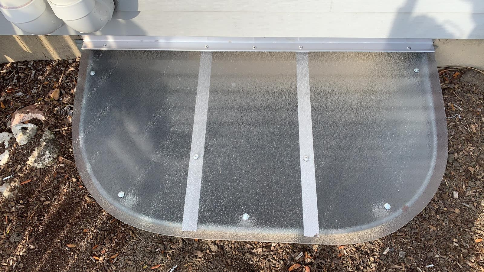 Romeoville , IL-HandyManny Custom Window Well Covers