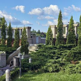 09. Pałac Hardtów w Wąsowie - mała architektura w parku by Marek Rosiński - City,  Street & Park  City Parks ( garden path, clouds, trees, park, chateau )