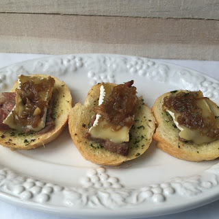 Beef, Brie and Onion Jam Canapé.