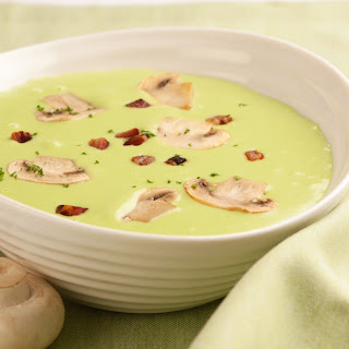Erbsencreme Suppe mit Champignons