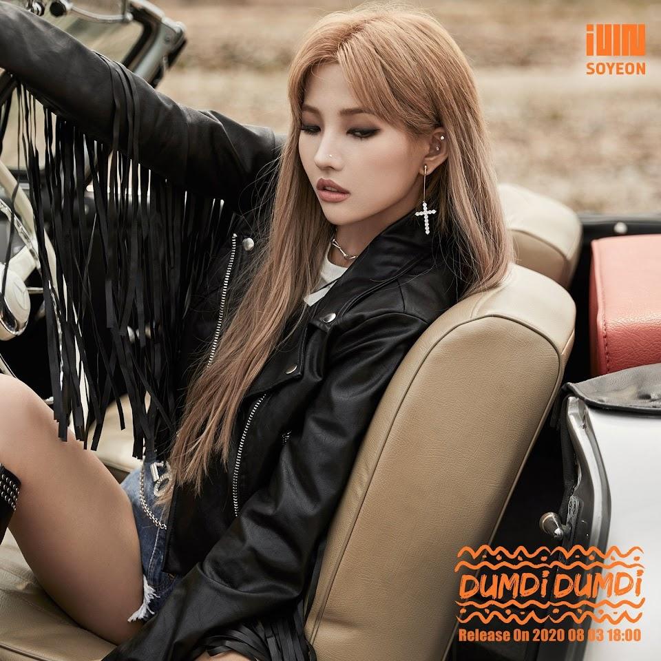 soyeon blonde 1