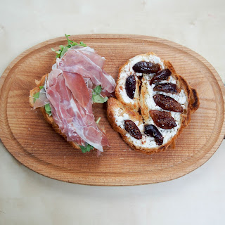 Proscuitto And Goats Cheese Croissant With Balsamic Figs