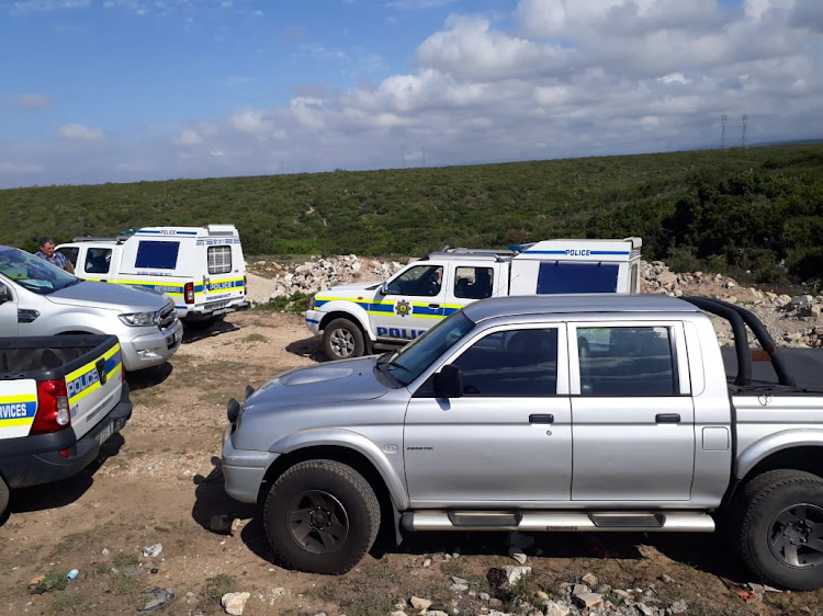 The burnt body of a 20-year-old man was found in the bushes behind the Vukani shack area in Nu 9 Motherwell early on Friday after a suspected mob-justice attack.