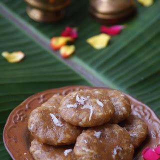Godhuma Kudumulu Recipe - Wheat Flour Jaggery Kudumulu - Vinayaka Chavithi Naivedyam Recipes.
