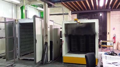 Photo: Cabine de poudrage manuelle + étuve électrique de cuisson AB DECOMETAL
