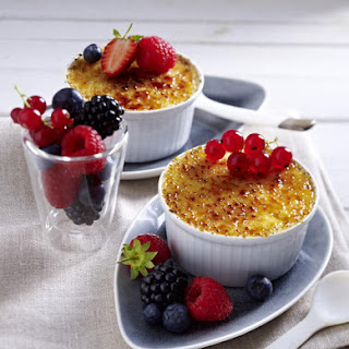 Vanilla Semolina Brûlée with Mixed Berries