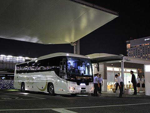 中国JRバス「グランドリーム横浜・東京2号」 1708 まもなく出発