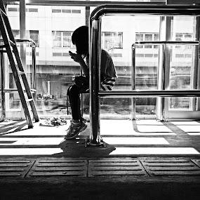 Sit on Gadget by Zen Syarif Abidin - Instagram & Mobile Other ( street, kofipon, street photography )