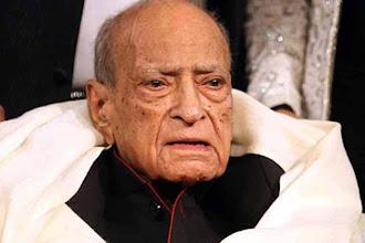 Photo: 'Itna sannata kyu hai bhai?' Goodbye, AK Hangal http://t.in.com/6rpb