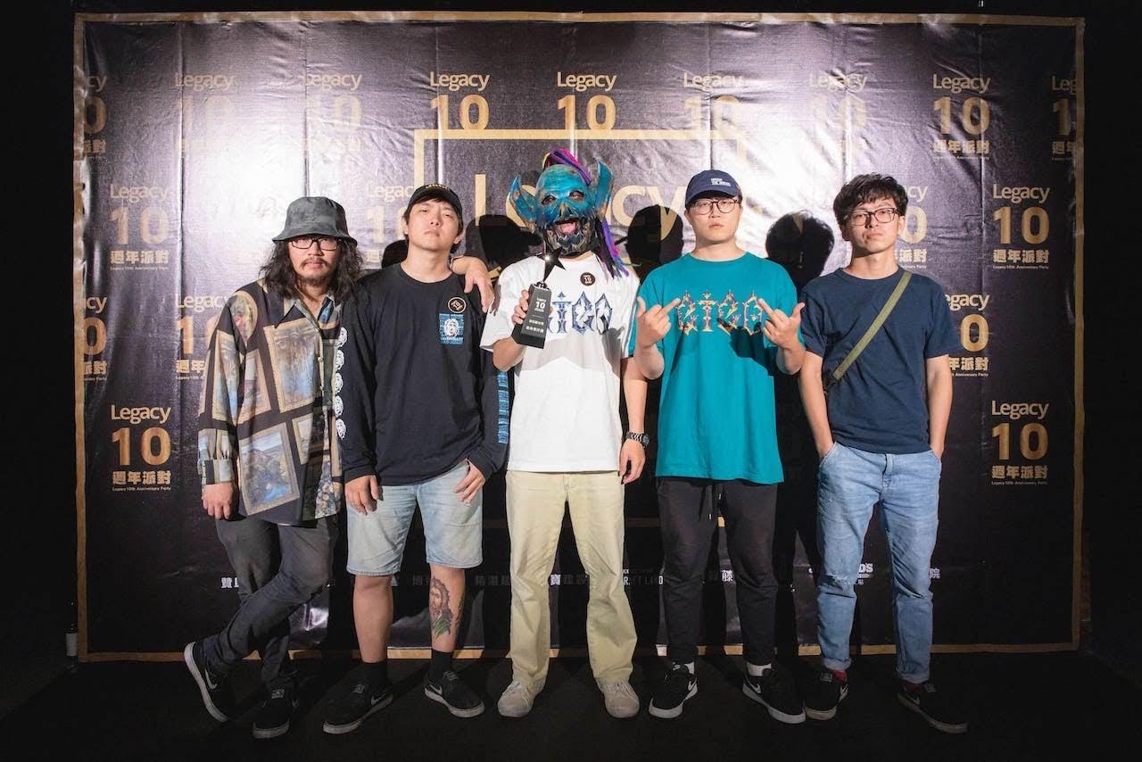 [迷迷音樂] Legacy華山300音樂人獨享閉門派對 趣味獎項突襲公布  血肉果汁機滅火器衝撞第一