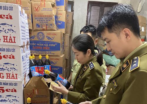 Hơn 3.000 chai nước mắm của Công ty Long Hải là hàng giả, không có giá trị sử dụng.
