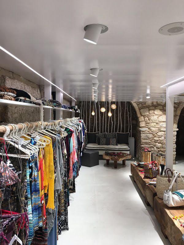 trần thạch cao cửa hàng